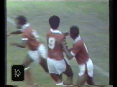 هدف عبدالله البلوشي على منتخب فرنسا - كأس العالم 1982