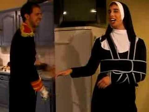 Napoleon donne la fessée a la soeur (видео)