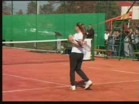 Школа у Слатини добила тениски терен