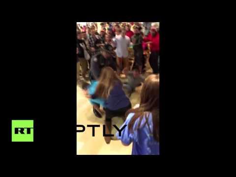 USA: Shoppers brawl in Kentucky as Black Friday chaos begins