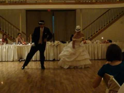Awesome Father/Daughter Dance… A Crowd Shocker!!!