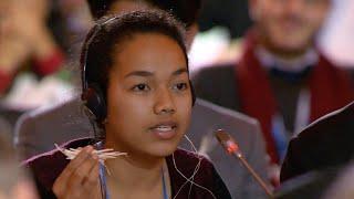 Selina Leem, é aluna no UWC Robert Bosch College, na Alemanha, e foi convidada para representar as Ilhas Marshall na sessão de encerramento da COP21 ...