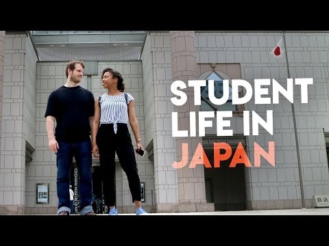 Daily Life As Students In Japan | Nude Exhibit & Food Trends