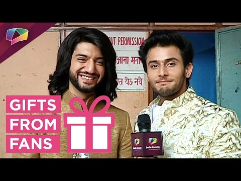Kunal Jaisingh and Leenesh Mattoo receive gifts fr
