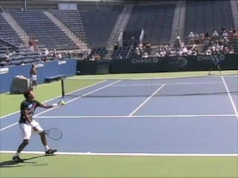 Julien Benneteau practicando en el US Open 2009