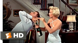Nonton The Seven Year Itch (3/5) Movie CLIP - Opening the Champagne (1955) HD Film Subtitle Indonesia Streaming Movie Download