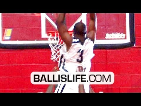 Video: KD had some pretty dunks in CP3's charity game