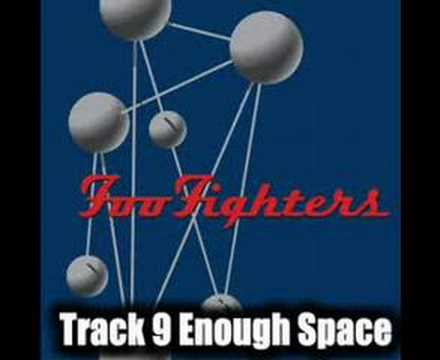 Tekst piosenki Foo Fighters - Enough Space po polsku