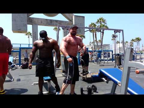 muscle - SUPERMUTANTS Rich Piana, Gabe Moen, Ron Partlow & Renaldo Gairy take over The Muscle Beach Pit in Venice Beach California Aug 12th 2013. This is raw un edite...