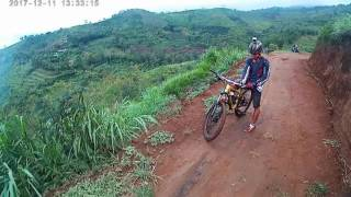 Video Air terjun lawean gununung wilis tulungagung - MTB ADVENTURE MP3, 3GP, MP4, WEBM, AVI, FLV Desember 2018