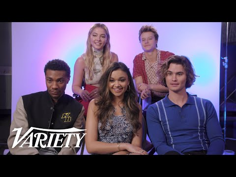 'Outer Banks' Cast on Who Would Win A Fight Against The Cast Of 'One Tree Hill' & 'Dawson's Creek'