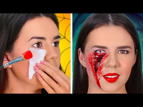 HOW TO SNEAK INTO A HALLOWEEN || SFX Makeup Tutorials and Scary Halloween Costumes by 123GO! SCHOOL