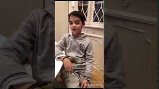 Le petit frère de Tibo InShape fait des musical.ly!!!