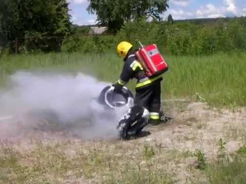 BacPac extinguishing tyres with RAFS (rotary actuated foam system)