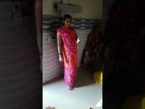Bhabh dehati bhabhi k hot dance देहाती भाभी का डान्स याद कर जहीया कुआँर रहलू पियवा से पहिले हमर रहलु