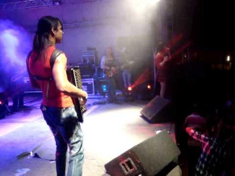 Simara Pires colocando todo mundo pra dançar em Santa Rosa do Tocantins/TO