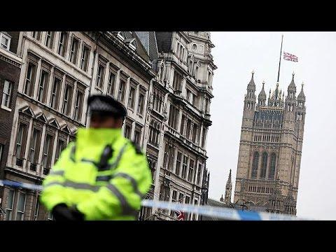 Λονδίνο: Σε επτά συλλήψεις προχώρησε η αντιτρομοκρατική – Ολονύχτιες έρευνες στο Μπέρμιγχαμ