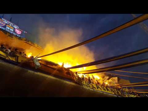 Boca Campeón 2017 ..la fiesta de la 12 !! Bengalas !! - La 12 - Boca Juniors
