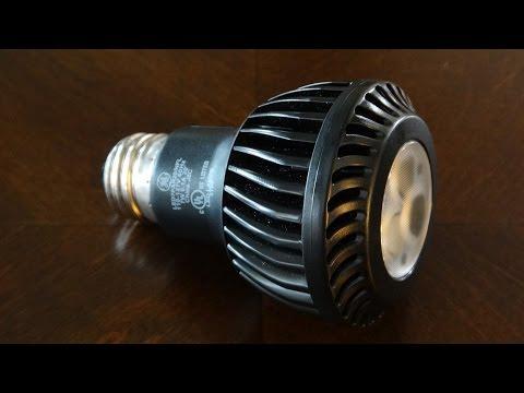 GE 7watt LED PAR20 flood light bulb