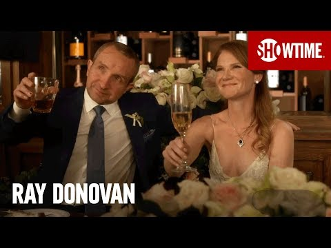 Ray Donovan 5.02 (Clip 'Welcome to the Dovonans')