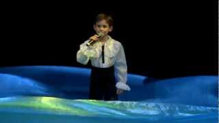 Download Lagu Santa Lucia - 9-year-old Oleg Aleksandrov Mp3
