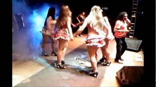 Solteirões do forró anima a galera na véspera do são joão 2011 de alagoinha PB.