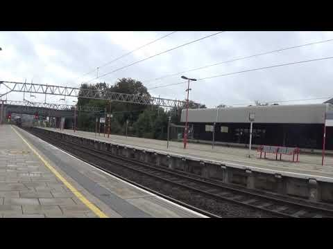 Stafford Railway Station 60009 Union of South Africa passes P5 on 1Z24 on the 9th Sep 2018