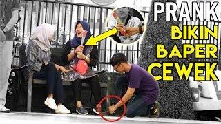 Video REAKSI CEWEK KETIKA DITITIPIN BUNGA BIKIN BAPER - PRANK INDONESIA MP3, 3GP, MP4, WEBM, AVI, FLV April 2019