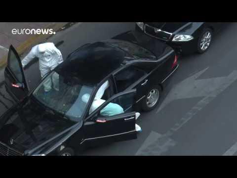 Aποκλειστικά πλάνα του euronews Greek από τις έρευνες στο όχημα του Λ. Παπαδήμου