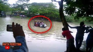 Video Awalnya Sungai ini Tampak Tenang, Tapi Tiba² Semua Orang Berteriak!! Perhatikan Yang Terjadi! MP3, 3GP, MP4, WEBM, AVI, FLV April 2019