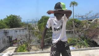 Different Levels, Same rythm. In Africa music is what you need to be happy. People from Ilha de Moçambique showing their...
