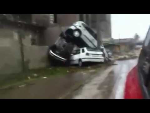 I danni della tromba d'aria su Taranto