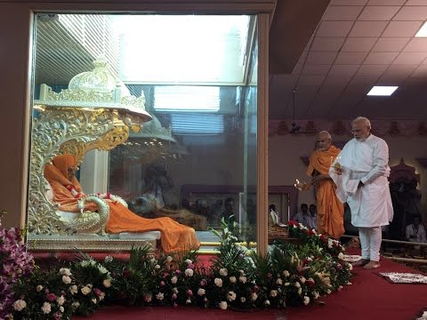 PM pays his last respects to HH Pramukh Swami Maharaj in Gujarat