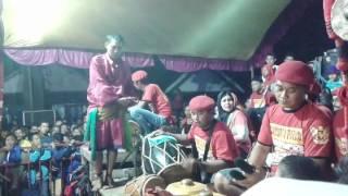 Video Samboyo putro lagu goyang walang kekek & ojo nguber welase live pandan arum pace MP3, 3GP, MP4, WEBM, AVI, FLV Agustus 2018