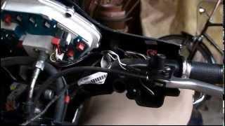 6. Vespa LX 50 Lenkerverkleidung Demontage  und Bremslichtschhalteraustausch