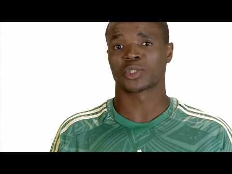 Aaron Mokoena habla de su fundación