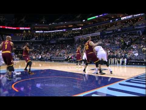 Video: Josh McRoberts' Behind the Back Dish