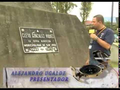 EN LA MEMORIA - CLETO GONZALEZ VIQUEZ