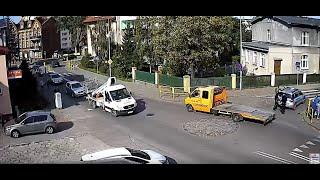 Pies wpadł pod radiowóz w Malborku! Zobaczcie reakcję policjantów po potrąceniu!