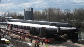 The Ojibwa being offloaded in Pt Burwell (watch in HiDef for best quality) Check the link for the HMCS Ojibwa Story,, https://youtu.be/ybzl-OwHd4o First 4 ph...