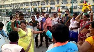 XxX Hot Indian SeX Beautiful Aunty Amazing Dance In Village Festivals Top Popular .3gp mp4 Tamil Video