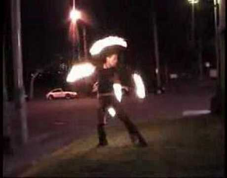 Bender Fire Twirling – The Joy of Staff (spinferno.com)