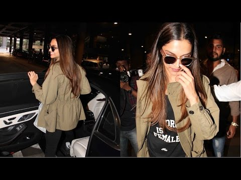 Deepika Padukone Spoted At Mumbai Airport