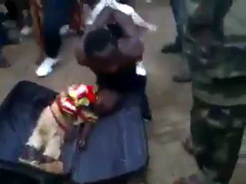 Video: This Man Was Caught With a Child in His Bag For Rituals