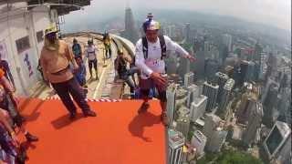 Невероятные прыжки с башни