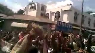 Ethio Muslims continue their strong Demonstration at Anwar Mosque on Fri March- 1-2013