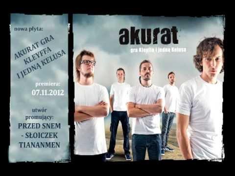 Tekst piosenki Akurat - Słoiczek Tiananmen po polsku