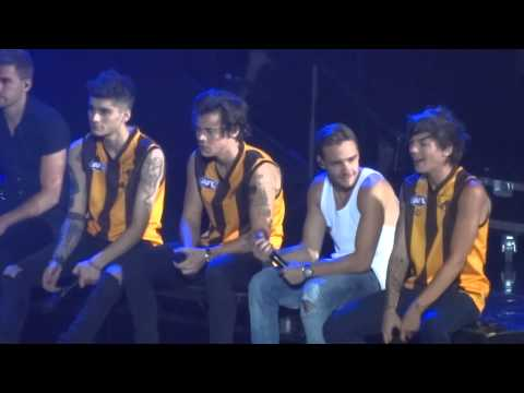 One Direction rapping 'We Can't Stop' & 'Started From The Bottom' (Melbourne, Australia 2/10/13)