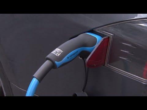 E-Autos: Scheuer will eine Milliarde Euro in Ausbau v ...