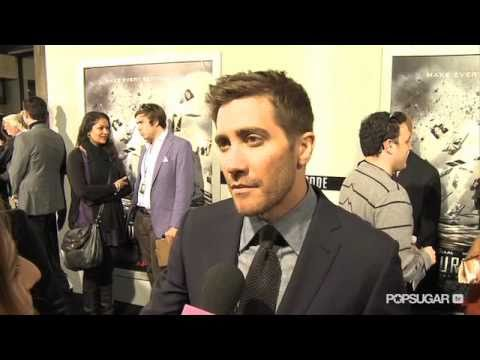 "Jake Gyllenhaal Says He Lives With ""No Regrets"" at the Source Code Premiere!"